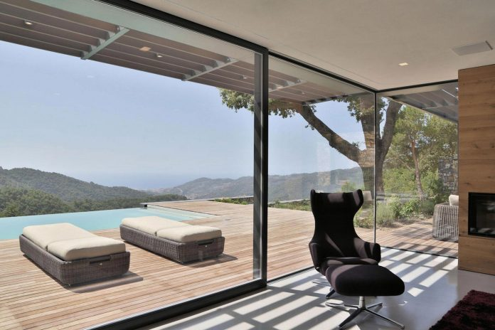 villa-n-natural-stone-facades-giordano-hadamik-architects-10
