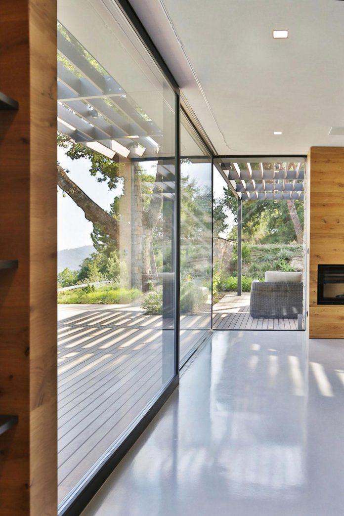 villa-n-natural-stone-facades-giordano-hadamik-architects-12