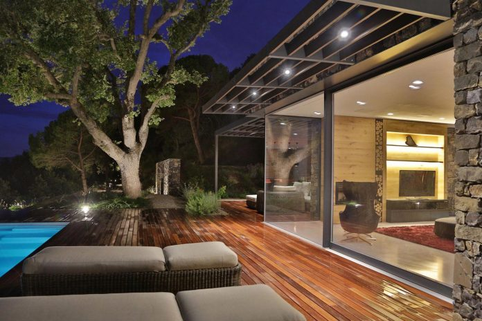 villa-n-natural-stone-facades-giordano-hadamik-architects-23