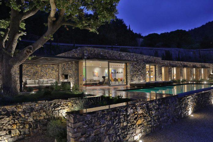 villa-n-natural-stone-facades-giordano-hadamik-architects-26