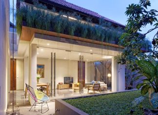 Wahana Architects redesigned the DeeRoemah renovation of a two-storey in a busy midtown of Jakarta
