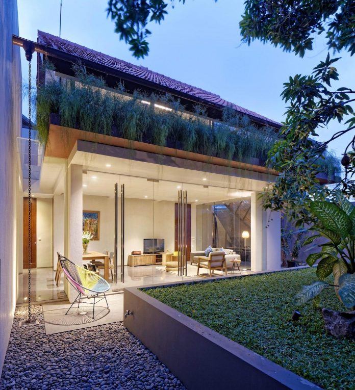 wahana-architects-redesigned-deeroemah-renovation-two-storey-busy-midtown-jakarta-13