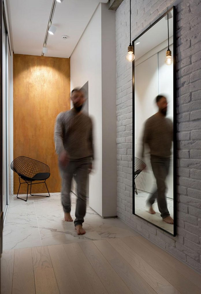 wood-marble-elegant-laconic-minimalist-style-apartment-nottdesign-01