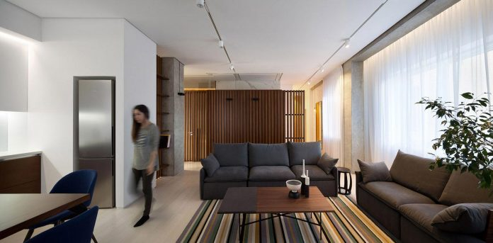 wood-marble-elegant-laconic-minimalist-style-apartment-nottdesign-05