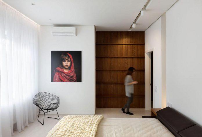 wood-marble-elegant-laconic-minimalist-style-apartment-nottdesign-13