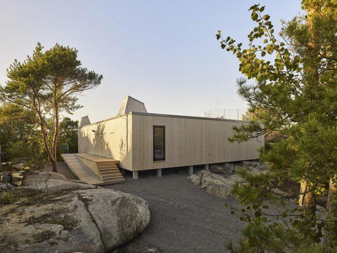 wooden-villa-kristina-gothenburg-sweden-designed-wingardhs-01