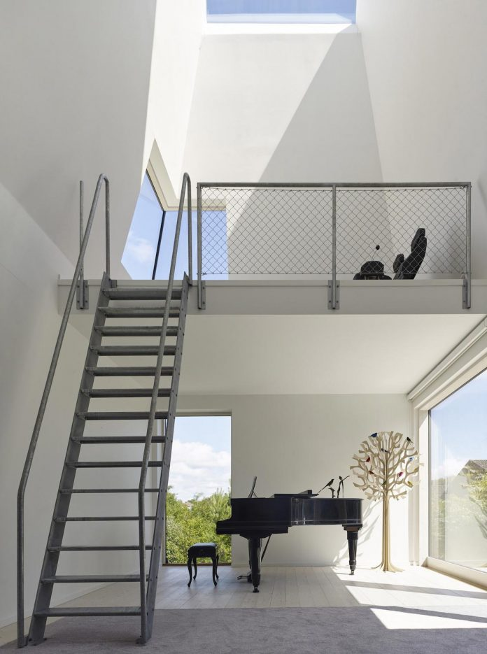 wooden-villa-kristina-gothenburg-sweden-designed-wingardhs-02
