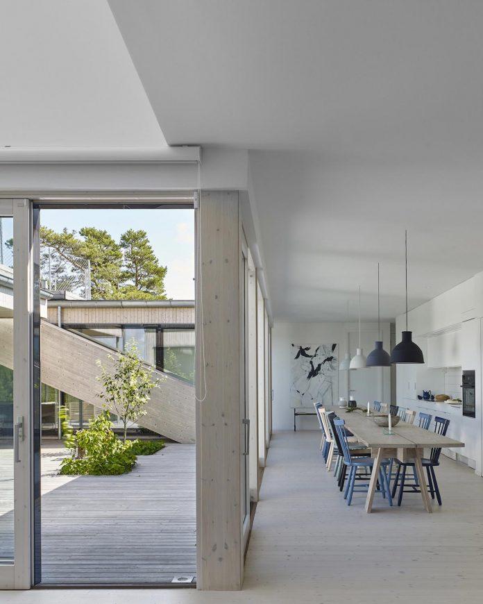 wooden-villa-kristina-gothenburg-sweden-designed-wingardhs-04