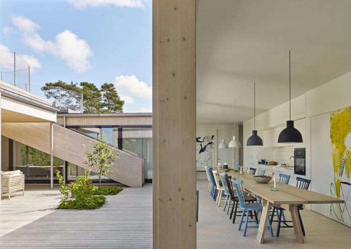 wooden-villa-kristina-gothenburg-sweden-designed-wingardhs-05