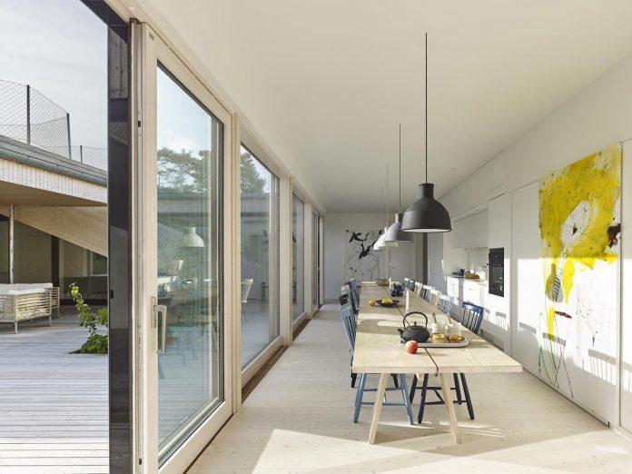 wooden-villa-kristina-gothenburg-sweden-designed-wingardhs-06