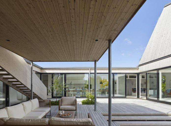 wooden-villa-kristina-gothenburg-sweden-designed-wingardhs-08