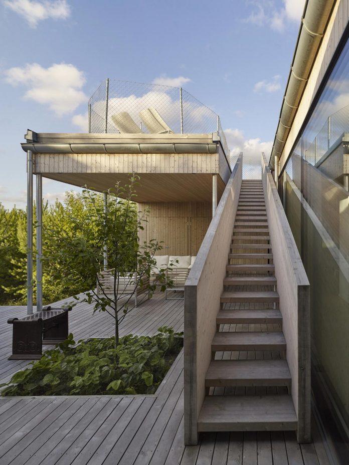 wooden-villa-kristina-gothenburg-sweden-designed-wingardhs-09