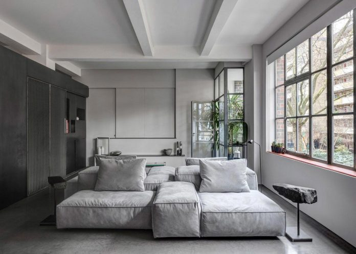 apa-transformed-london-warehouse-space-apartment-two-theatre-film-directors-02
