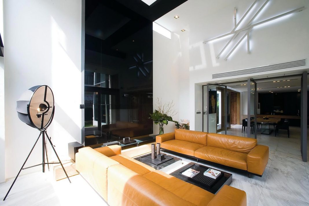 Archimontage Design Fields Sophisticated design the Dindang House, a home for any newlywed couple