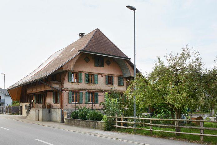 barn-conversion-freiluft-architektur-ruegsauschachen-switzerland-01