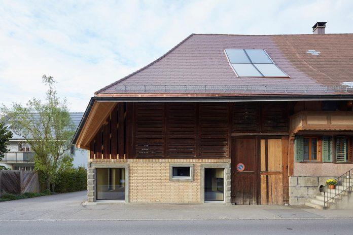 barn-conversion-freiluft-architektur-ruegsauschachen-switzerland-02