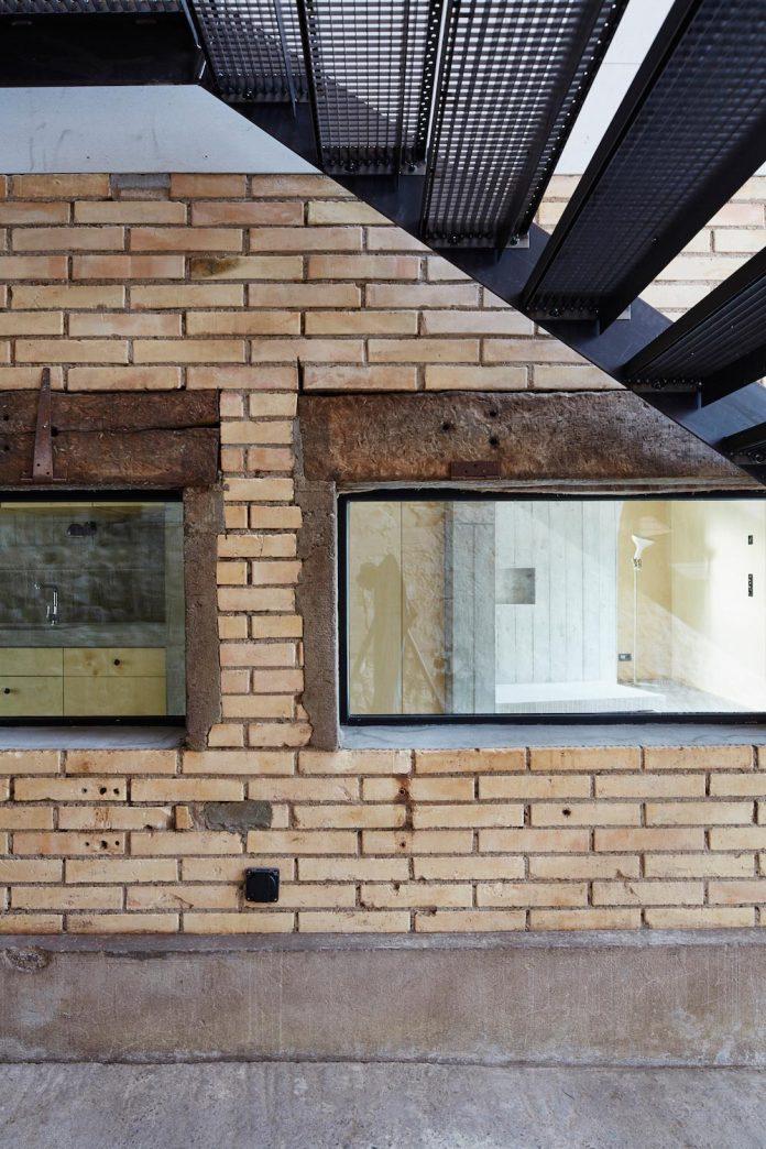 barn-conversion-freiluft-architektur-ruegsauschachen-switzerland-10