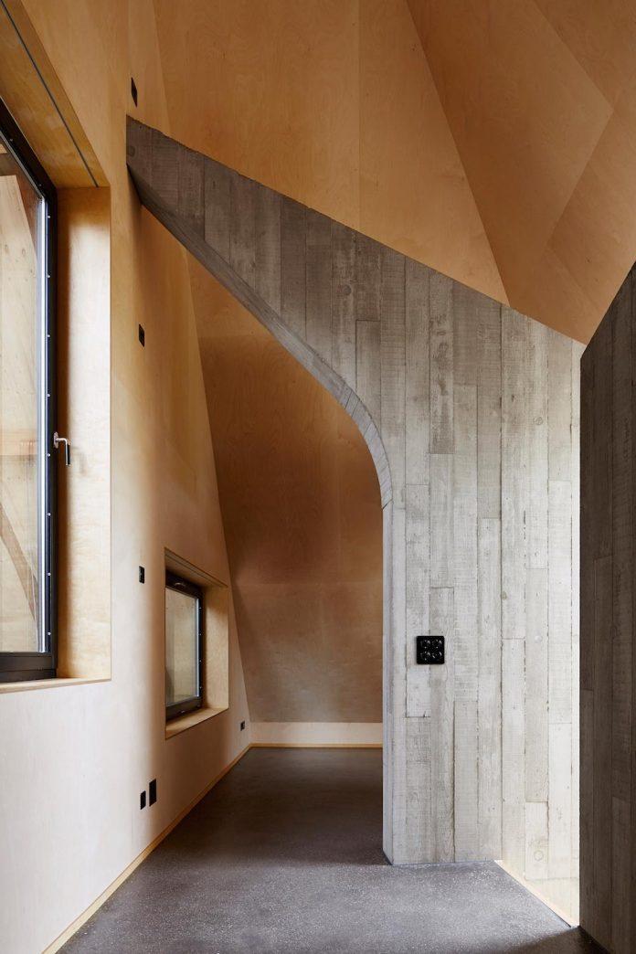 barn-conversion-freiluft-architektur-ruegsauschachen-switzerland-12
