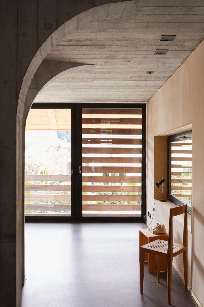barn-conversion-freiluft-architektur-ruegsauschachen-switzerland-14