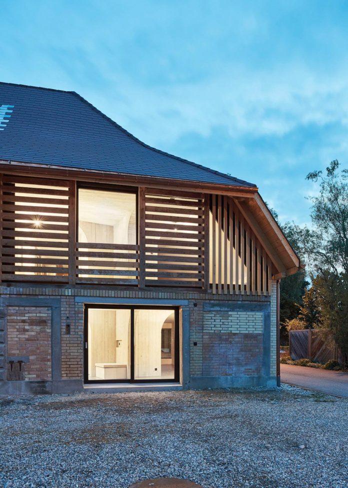 barn-conversion-freiluft-architektur-ruegsauschachen-switzerland-15