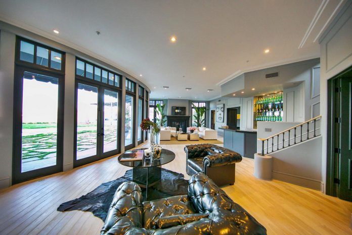 belgian-interior-designer-maxime-jacquet-designed-interiors-10000-square-foot-french-contemporary-property-beverly-hills-09