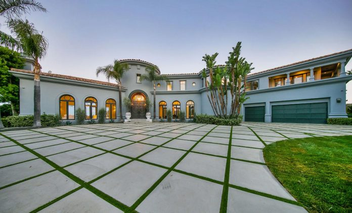 belgian-interior-designer-maxime-jacquet-designed-interiors-10000-square-foot-french-contemporary-property-beverly-hills-40