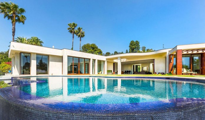 beverly-hills-contemporary-house-magnificent-270-degrees-green-view-sunset-breathtaking-01