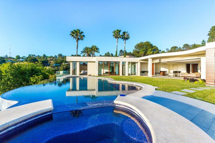 beverly-hills-contemporary-house-magnificent-270-degrees-green-view-sunset-breathtaking-03