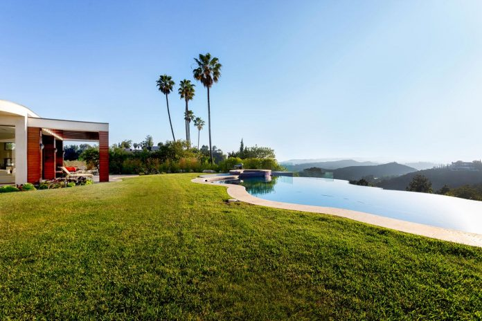 beverly-hills-contemporary-house-magnificent-270-degrees-green-view-sunset-breathtaking-04