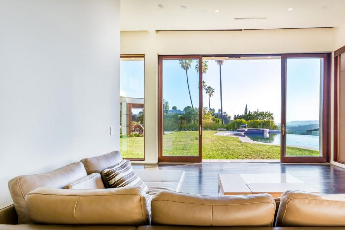 beverly-hills-contemporary-house-magnificent-270-degrees-green-view-sunset-breathtaking-10
