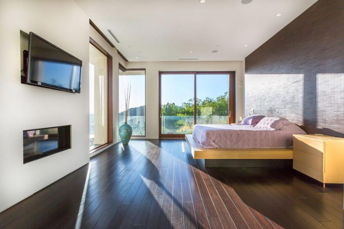 beverly-hills-contemporary-house-magnificent-270-degrees-green-view-sunset-breathtaking-21