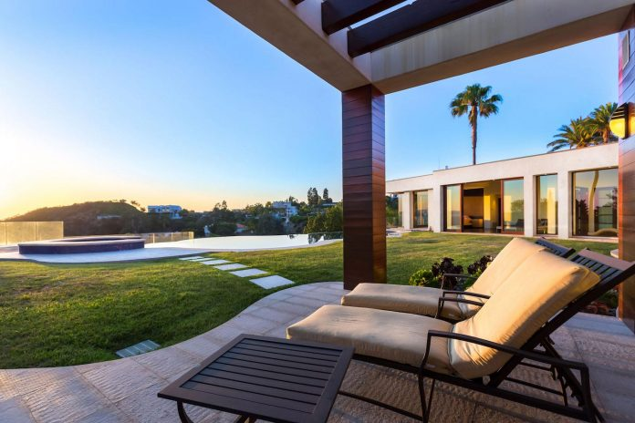 beverly-hills-contemporary-house-magnificent-270-degrees-green-view-sunset-breathtaking-42