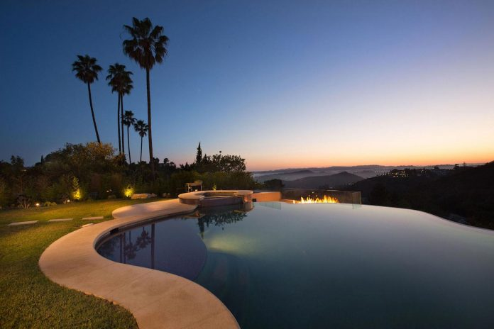 beverly-hills-contemporary-house-magnificent-270-degrees-green-view-sunset-breathtaking-44