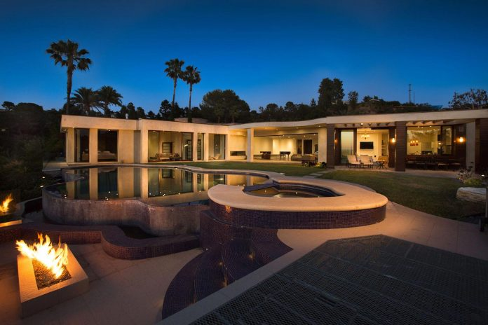 beverly-hills-contemporary-house-magnificent-270-degrees-green-view-sunset-breathtaking-47