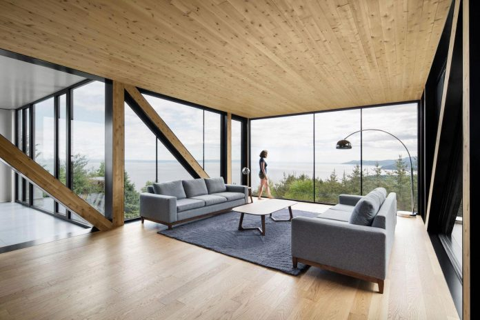 blanche-chalet-simple-pure-architecture-gently-complements-landscape-charlevoix-modern-fashion-09