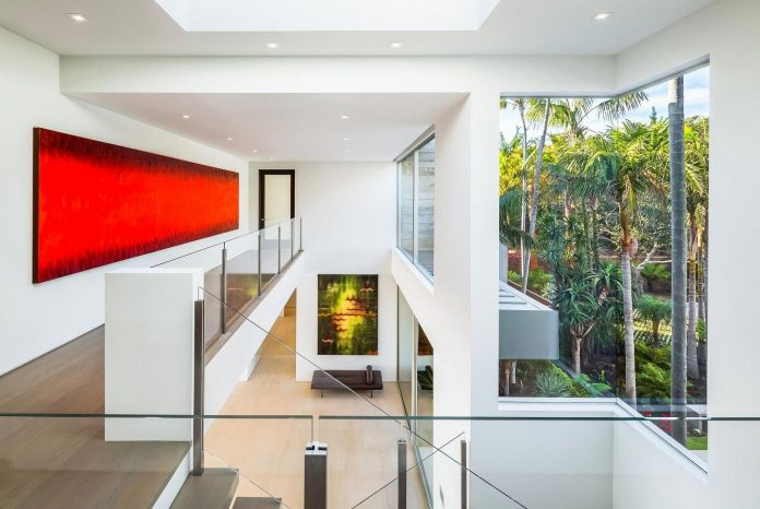 burdge-associates-design-stunning-contemporary-beach-home-malibu-awesome-sea-views-16