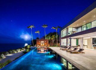 Burdge & Associates design a stunning contemporary beach home in Malibu with awesome sea views