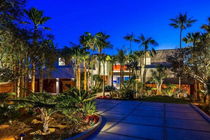 burdge-associates-design-stunning-contemporary-beach-home-malibu-awesome-sea-views-27