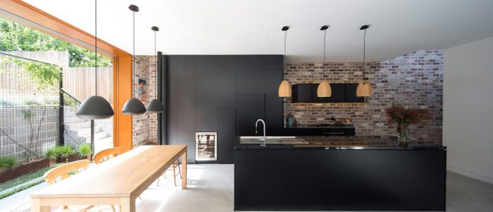 carterwilliamson-architects-design-mcmahons-point-residence-modest-home-owners-settle-begin-family-05