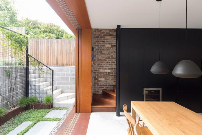carterwilliamson-architects-design-mcmahons-point-residence-modest-home-owners-settle-begin-family-09