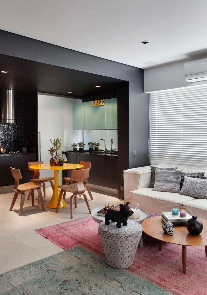 colourful-chic-apartment-designed-30s-single-man-rio-de-janeiro-studio-roca-02