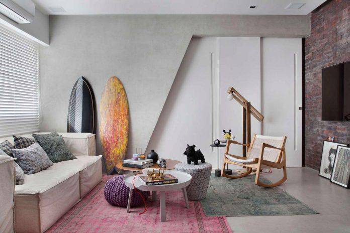 colourful-chic-apartment-designed-30s-single-man-rio-de-janeiro-studio-roca-07