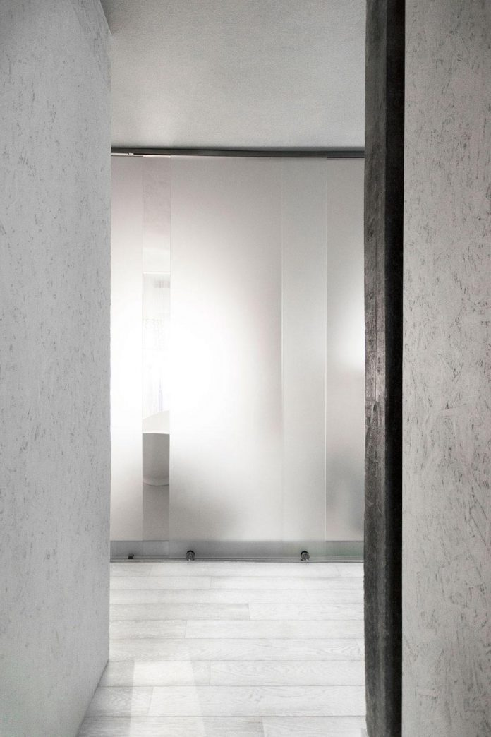 complete-white-casa-esse-designed-lda-imda-associated-architects-san-miniato-italy-11