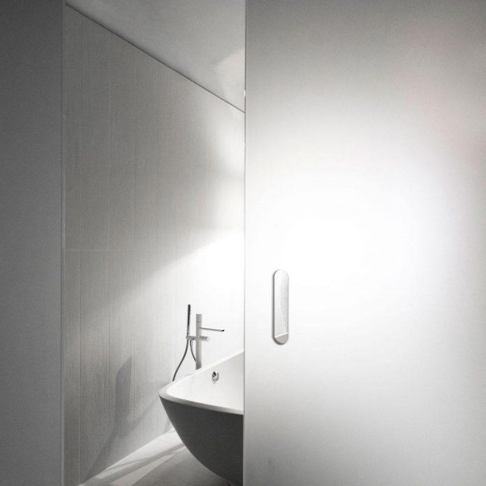 complete-white-casa-esse-designed-lda-imda-associated-architects-san-miniato-italy-13