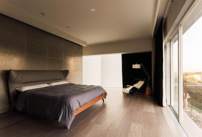contemporary-apartment-designed-kababie-arquitectos-amplitude-sobriety-concept-design-10