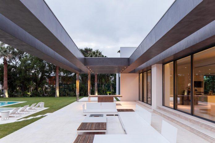contemporary-cascais-p272-residence-designed-fragmentos-de-arquitectura-05