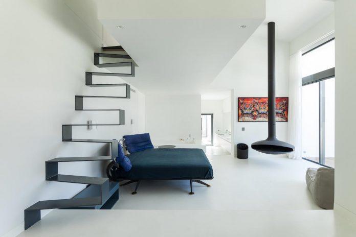 contemporary-cascais-p272-residence-designed-fragmentos-de-arquitectura-09