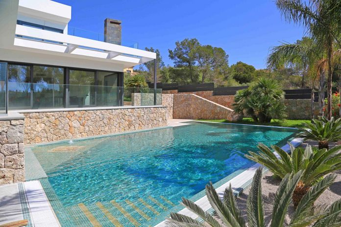 contemporary-house-mediterranean-island-mallorca-andreas-hummel-architekt-02