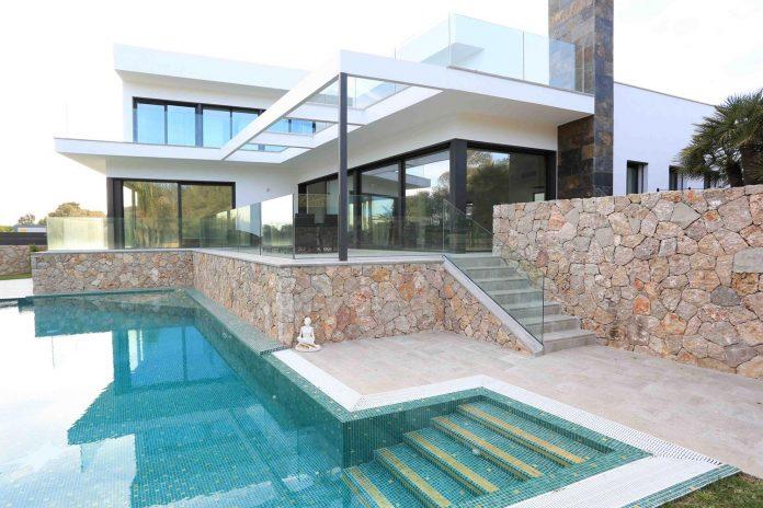 contemporary-house-mediterranean-island-mallorca-andreas-hummel-architekt-05