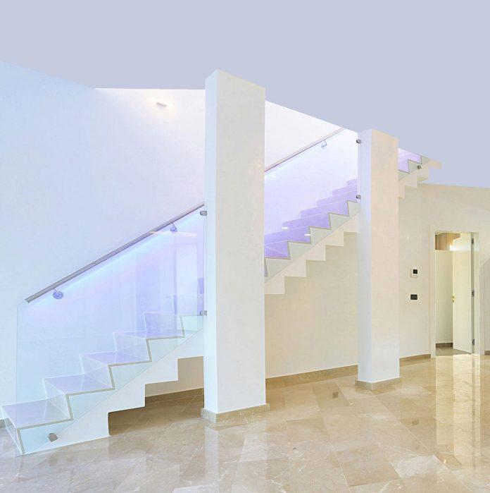 contemporary-house-mediterranean-island-mallorca-andreas-hummel-architekt-11